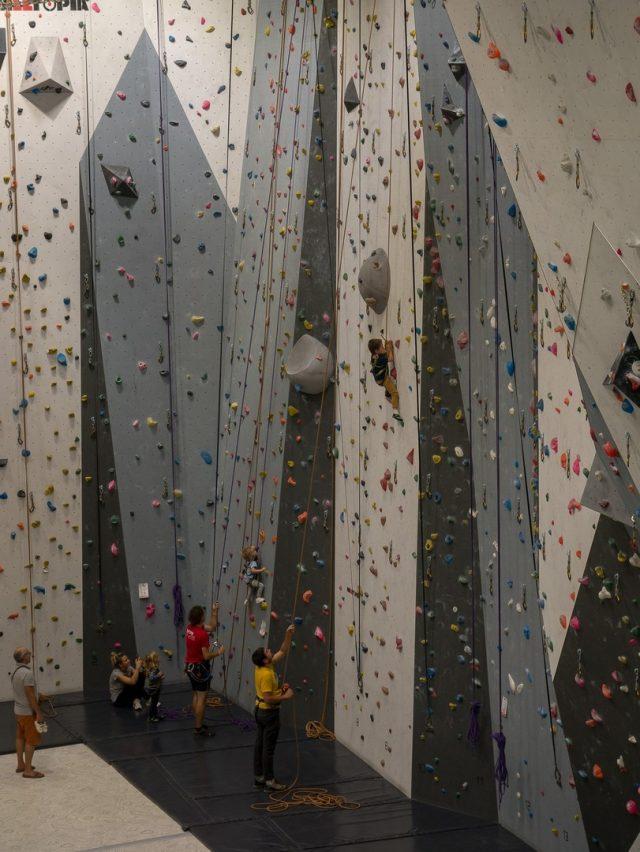 Uno sguardo ai vari e ampi muri per l'arrampicata sportiva di Vesubia Mountain Park