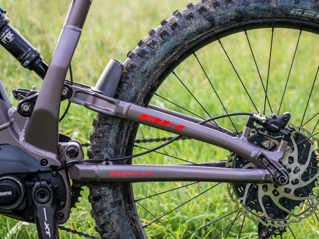 Sospensione posteriore Split Pivot da 140 mm di travel