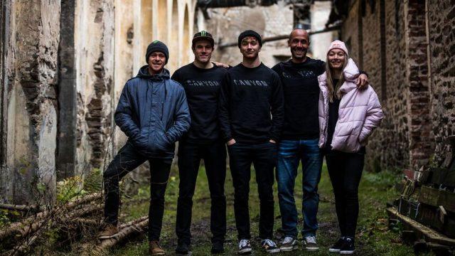 Fabien Barel e il rinnovato gruppo di atleti che di dedicheranno al downhill