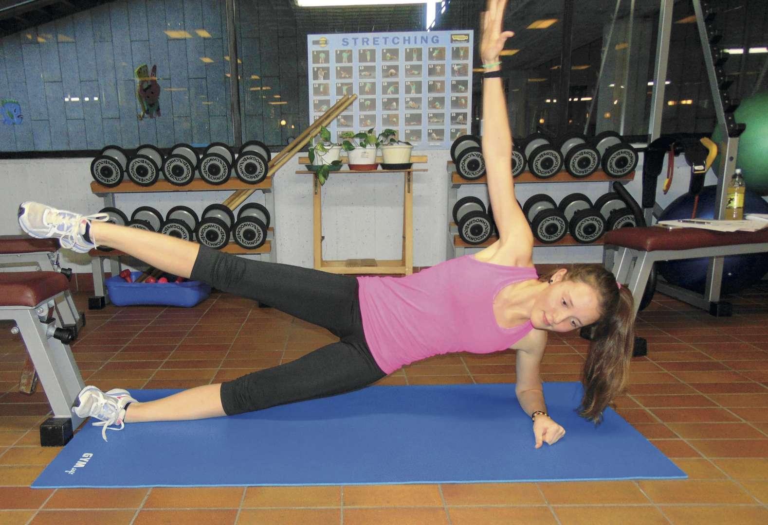 Uno dei tanti esercizi a corpo libero fondamentali nell'ABCD derl Trail running per rinforzare la muscolatura del core e migliorare la forza complessiva