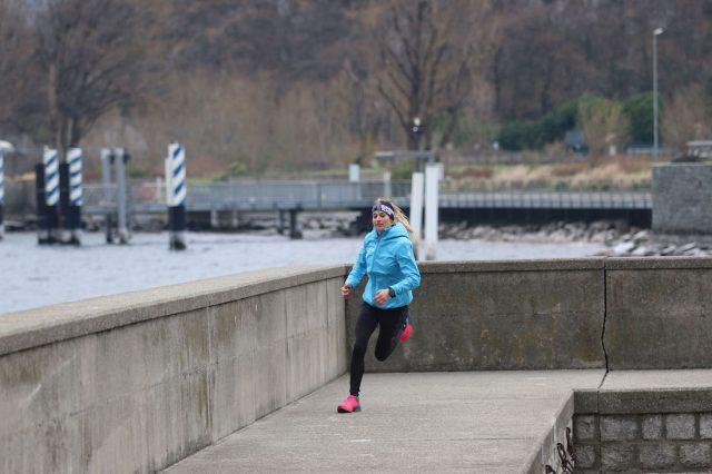 Giornate ancora fredde durante i primi mesi di allenamento sempre ben supportati dai capi lunghi trail running di Rock Experience