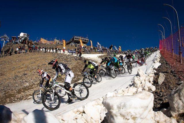 Mega Alpe d'Huez - mass start