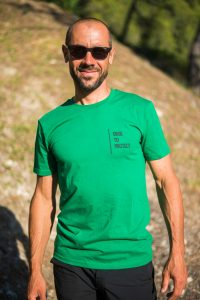 Urge To Protect t-shirt - fronte