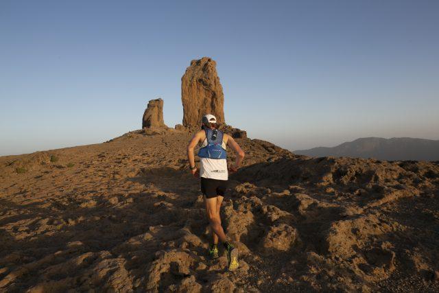 Un uomo che corre, un paese sconfinato, una meta da raggiungere...what else?