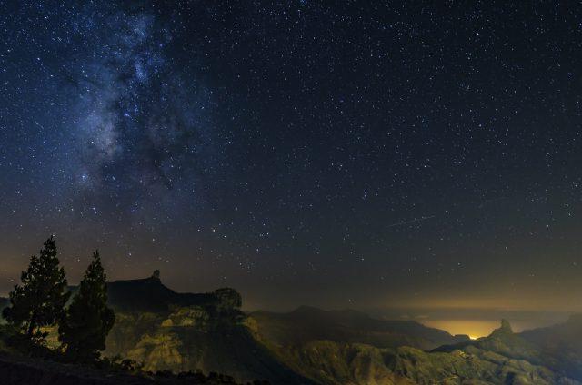 Lo spettacolo a Roque Nublo di notte