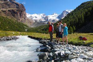VALLE-D_AOSTA-Escursionisti-e-Monte-Rosa-Val-d_Ayas-foto-Enrico-Romanzi-3054-1-scaled.jpg