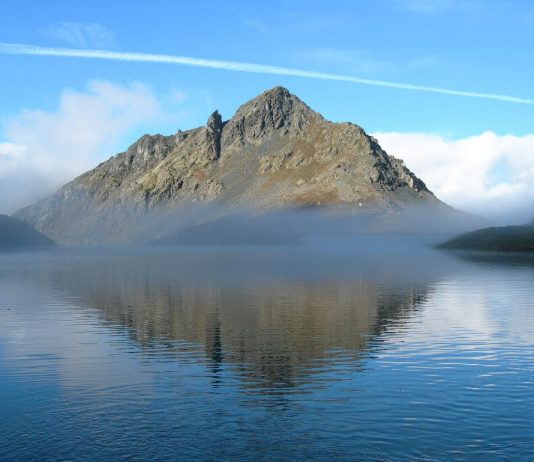 Nella foto di Sergio Enrico il Lago Gabiet a Gressone-La-Trinité