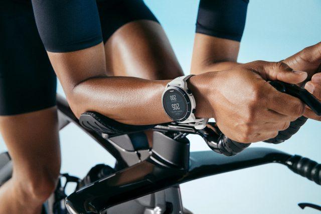 Wahoo Elemnt Rival lo sportwatch device versatile