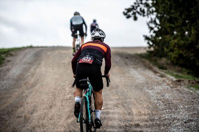 Gravel: asfalto e off road con Fi'zi:k Terra Argo
