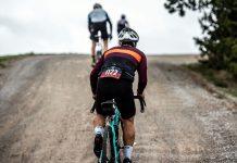 asfalto e off road con Fi'zi:k Terra Argo
