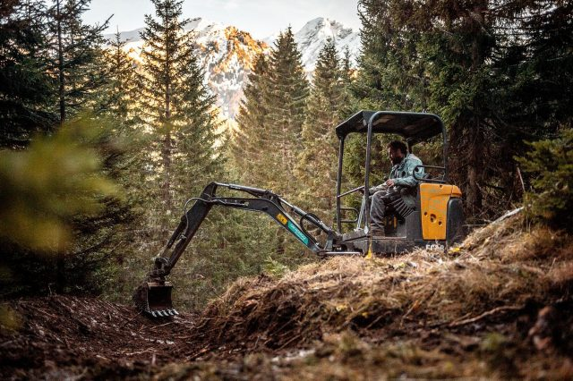 Fassa Bike Park Trail Building 04