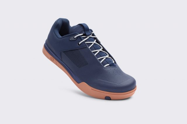 Mallet Lace navy silver gum