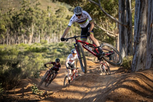 Specialized Factory Racing 2021 - Sarrou action