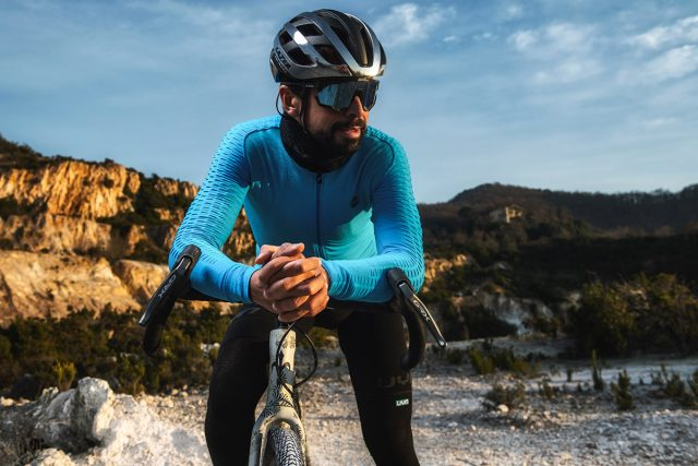 Omar Di Felice sfida l'Himalaya in inverno