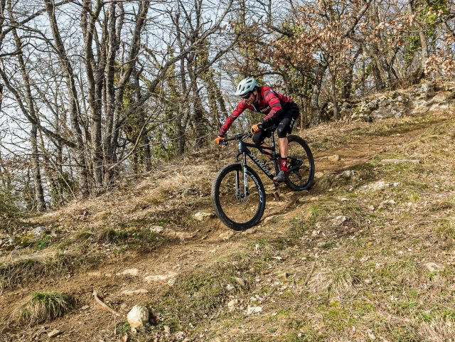 Specialized Epic Evo Expert - action 01