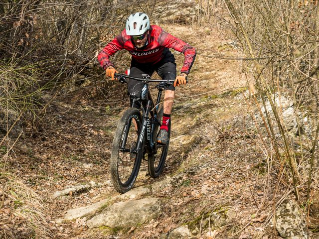 Specialized Epic Evo Expert - action 03