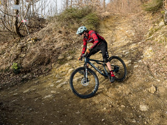 Specialized Epic Evo Expert - action 04