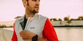 Un particolare della chiusura con zip del GORE Wear Gilet Drive
