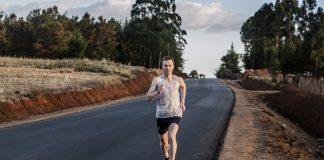 Il norvegese Sondre Moen in azione, tra i principali protagonisti sui 10k della ASICS Be(at) Your Personal Best