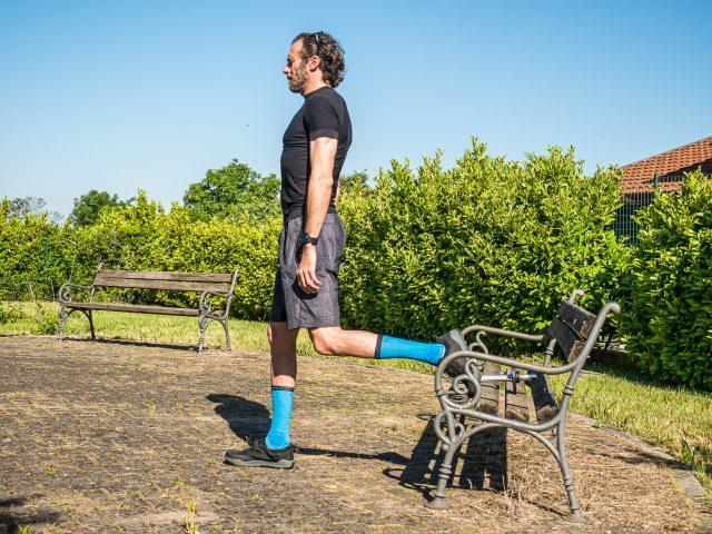 Allenamento a casa per MTB - forza gambe - split squat 01