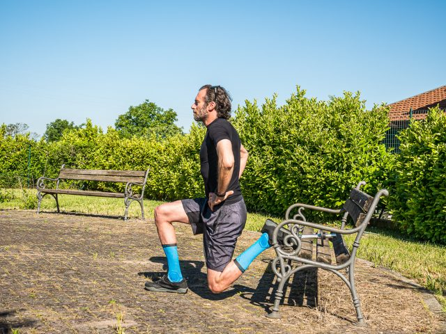 Allenamento a casa per MTB - forza gambe - split squat 02