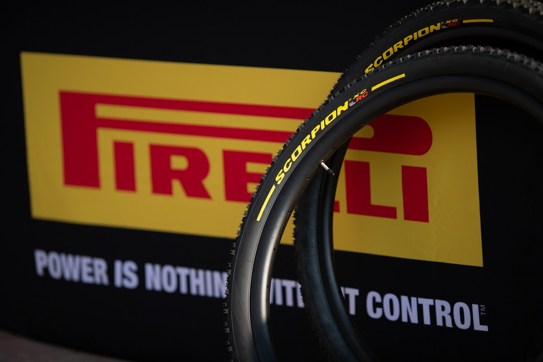 Pirelli Scorpion XC RC 2,4 - cover