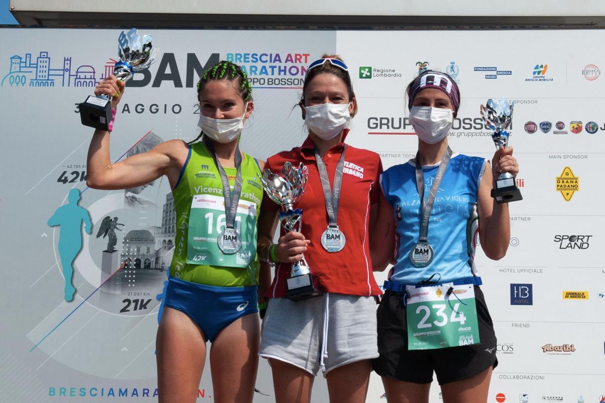 Il podio femminile della BAM Brescia Art Marathon 2021