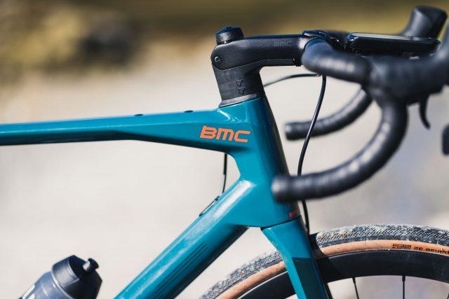 BMC Roadmachine X, road e gravel all'italiana