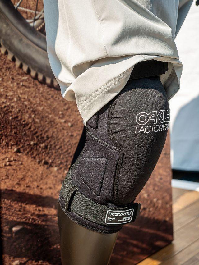 Oakley protezioni MTB - 01