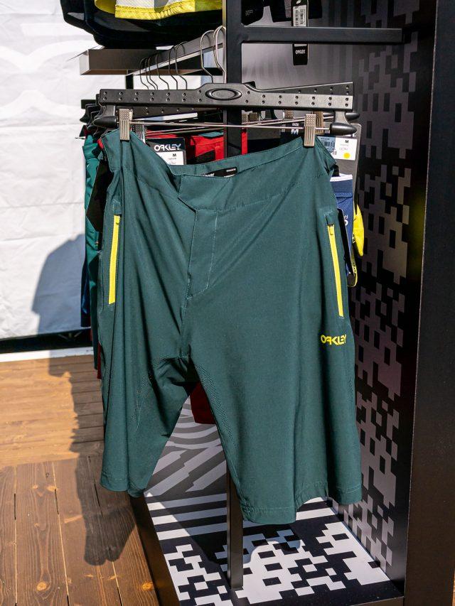 Oakley abbigliamento MTB - 02