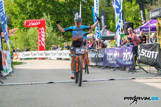 Lo sprint di Colledani su Kerschbaumer (foto organizzatori)
